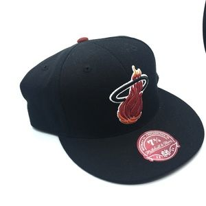 New Mitchell & Ness Miami Heat Fitted Hat 7 3/4